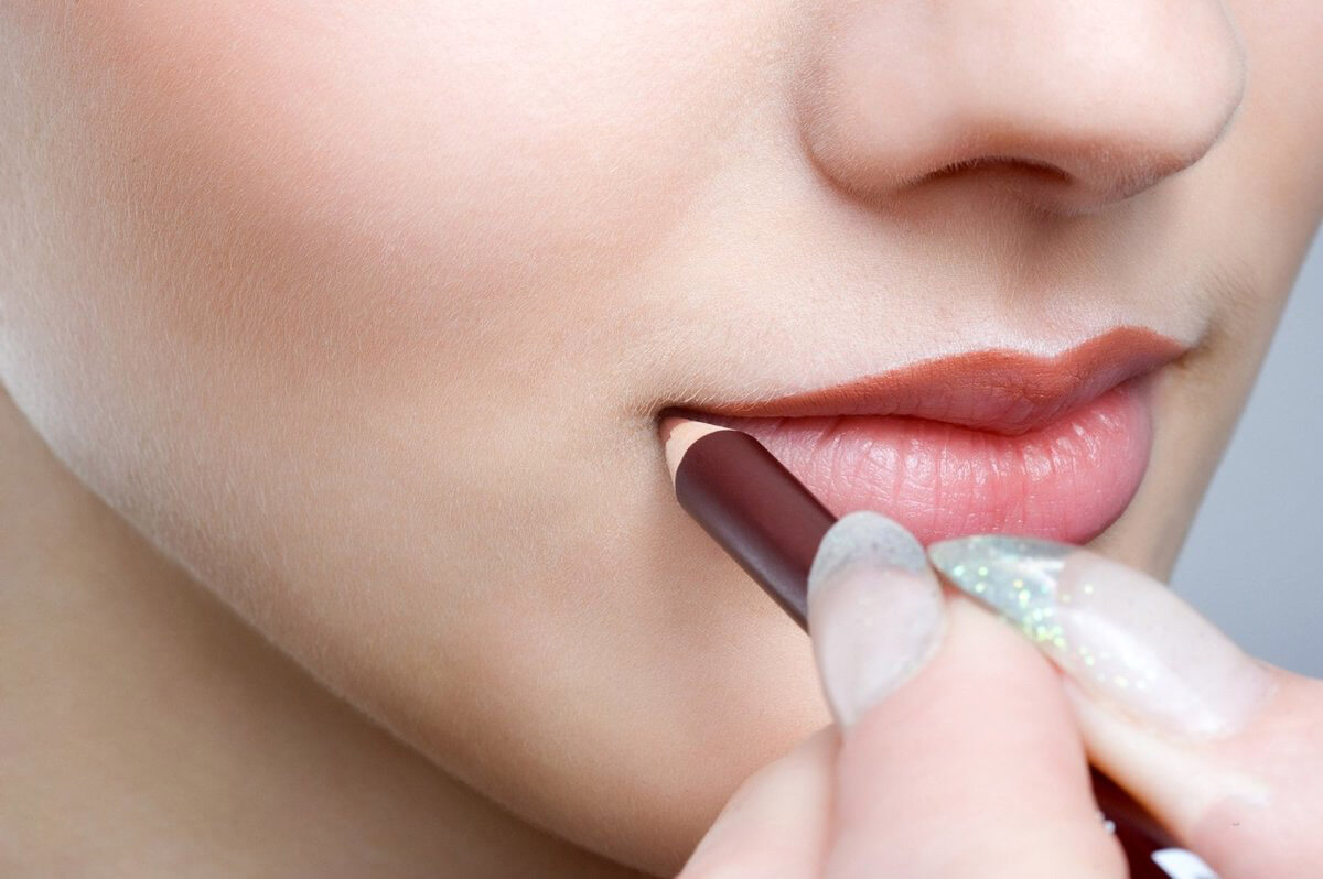 stati - Правильный макияж губ -  - фото